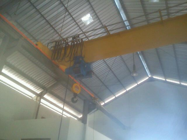 Foto: Hoist Crane Lift Surabaya