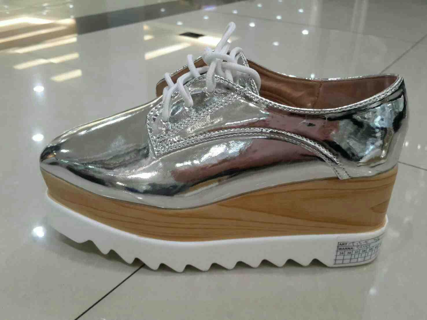 Foto: Sepatu Stella T13-5