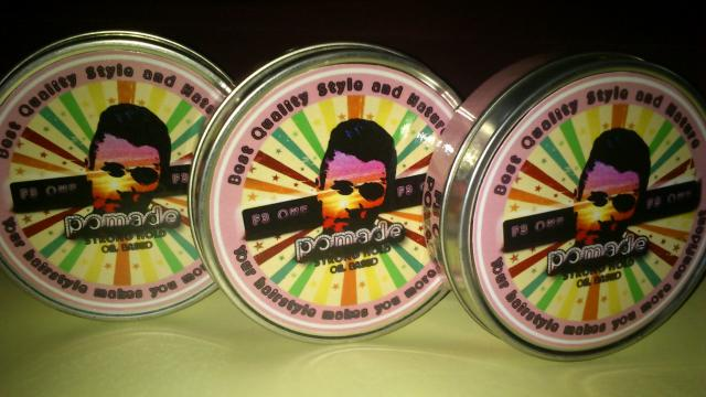 Foto: F3 One Pomade (Back To Nature  And Back To Style Trendy For Man) Old And Young.