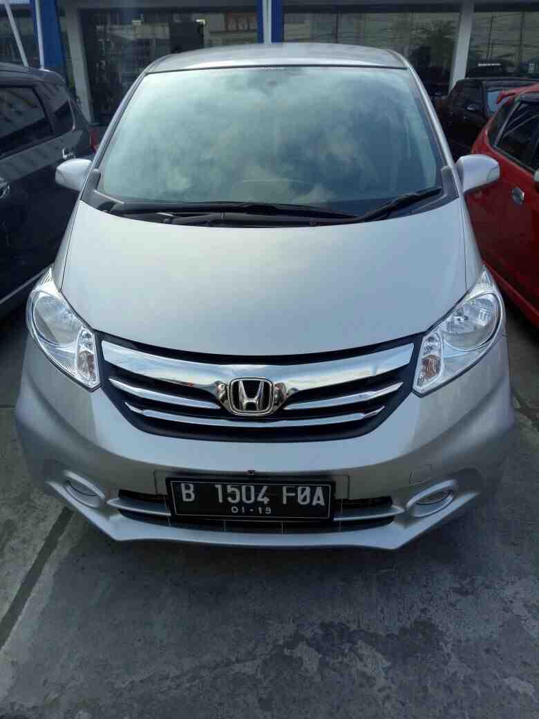 Foto: Honda Freed Psd Matic 2013 Warna Abu Abu Metalik Pajak Panjang Sampai Januari 2018