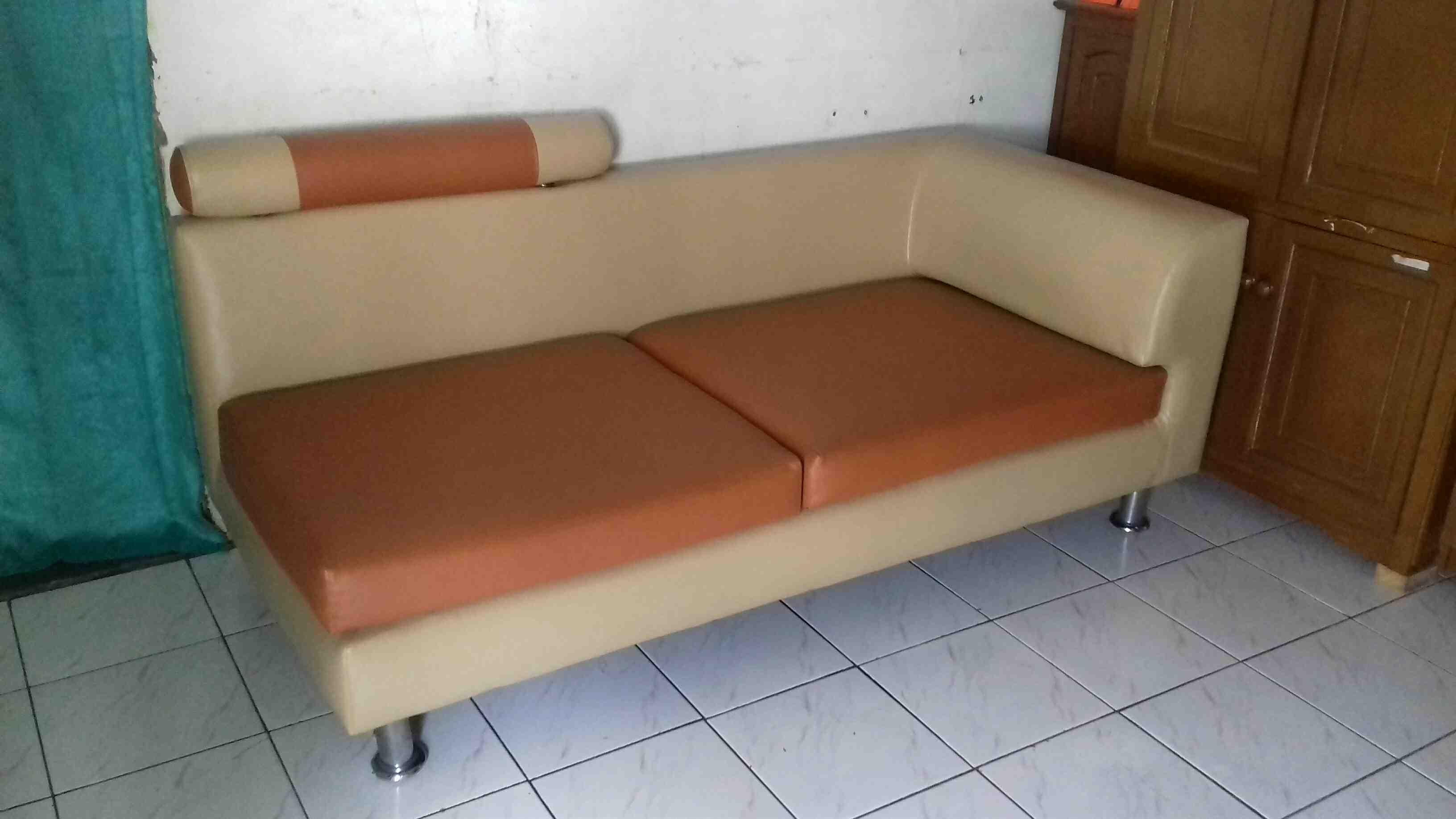 Foto: Merubah Sofa Lama Anda Menjadi Baru Lagi