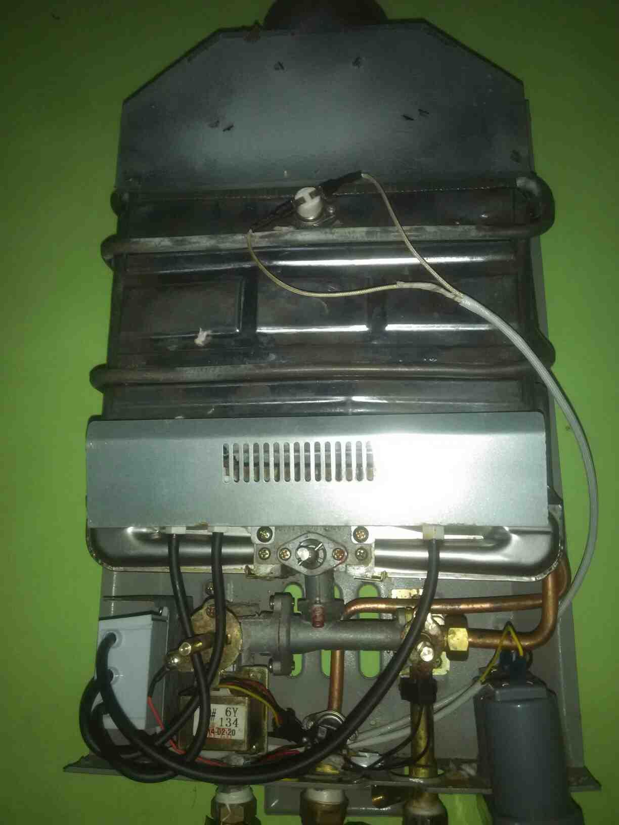 Foto: Jasa Service Water Heater Panggilan