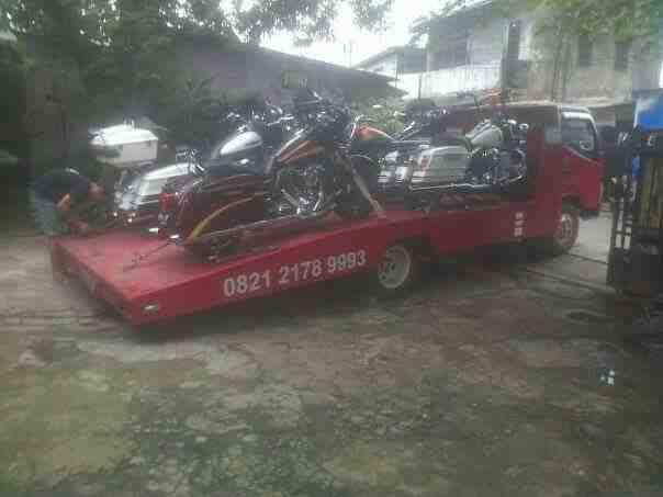 Foto: Jasa Derek Gendong / Towing Dalam Dan Luar Kota Jakarta
