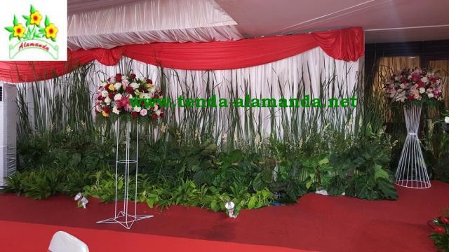 Foto: Dekorasi Pernikahan Outdoor – Sewa Tenda, Pelaminan, Panggung