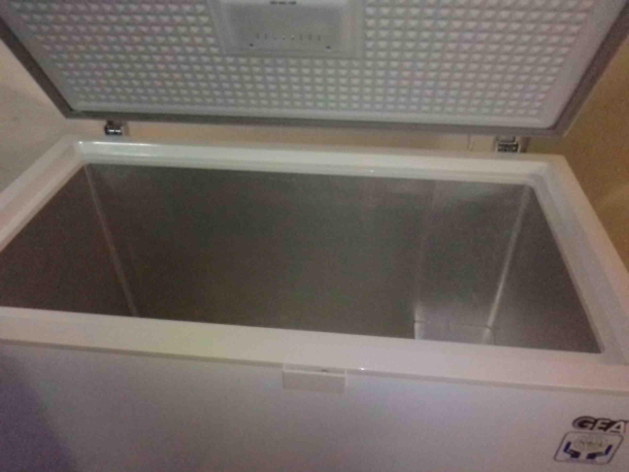 Foto: Service Freezer Di Denpasar