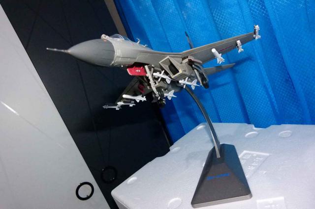 Foto: Diecast Metal Pesawat Sukhoi27 Scale 1:48