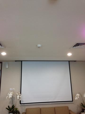 Foto: Jasa Instalasi Screenprojector